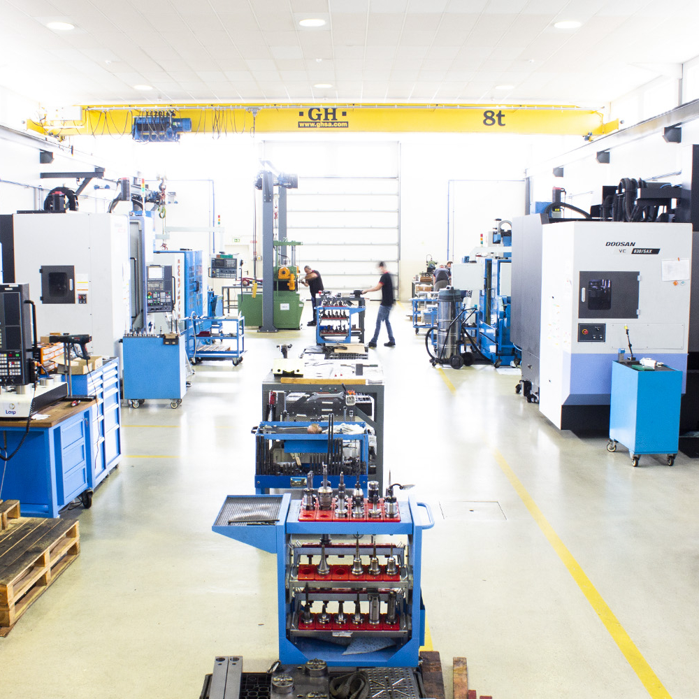 CF Moldes's Factory work bench