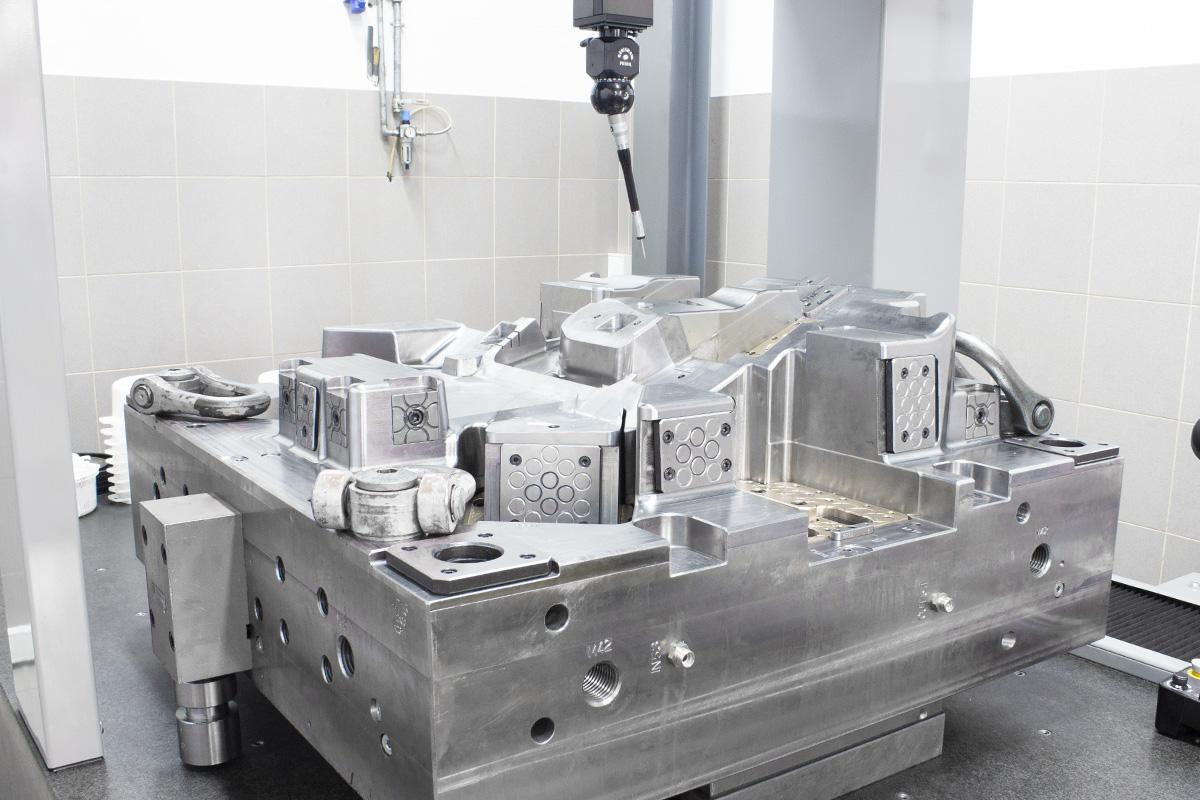 Mold in brown & sharpe machine in CMM machine