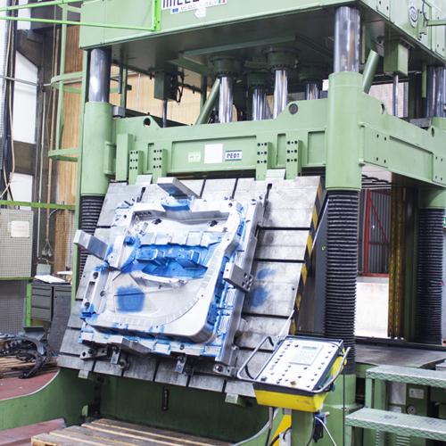 door panel mold in millutensil press