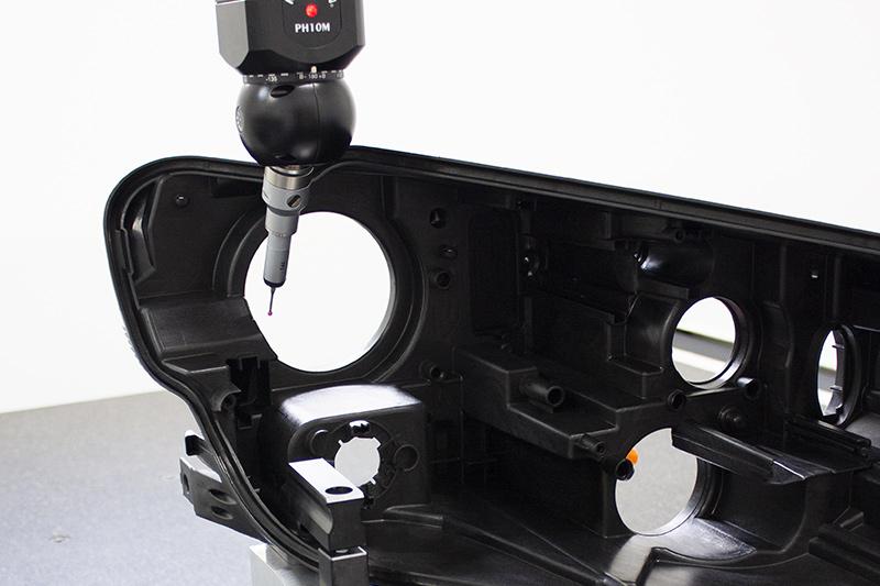 quality control on automotive lightning plastic part with CMM machine