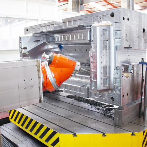 steel mould in MECOF MASTERMILL milling machine